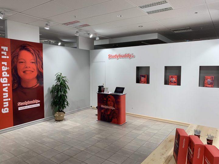 Studybuddy erbjuder läxhjälp i NK-passagen i Stockholms city